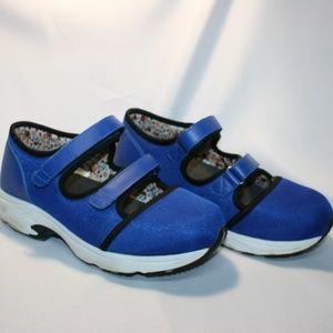 Drew Solo Mary Jane velcro shoe